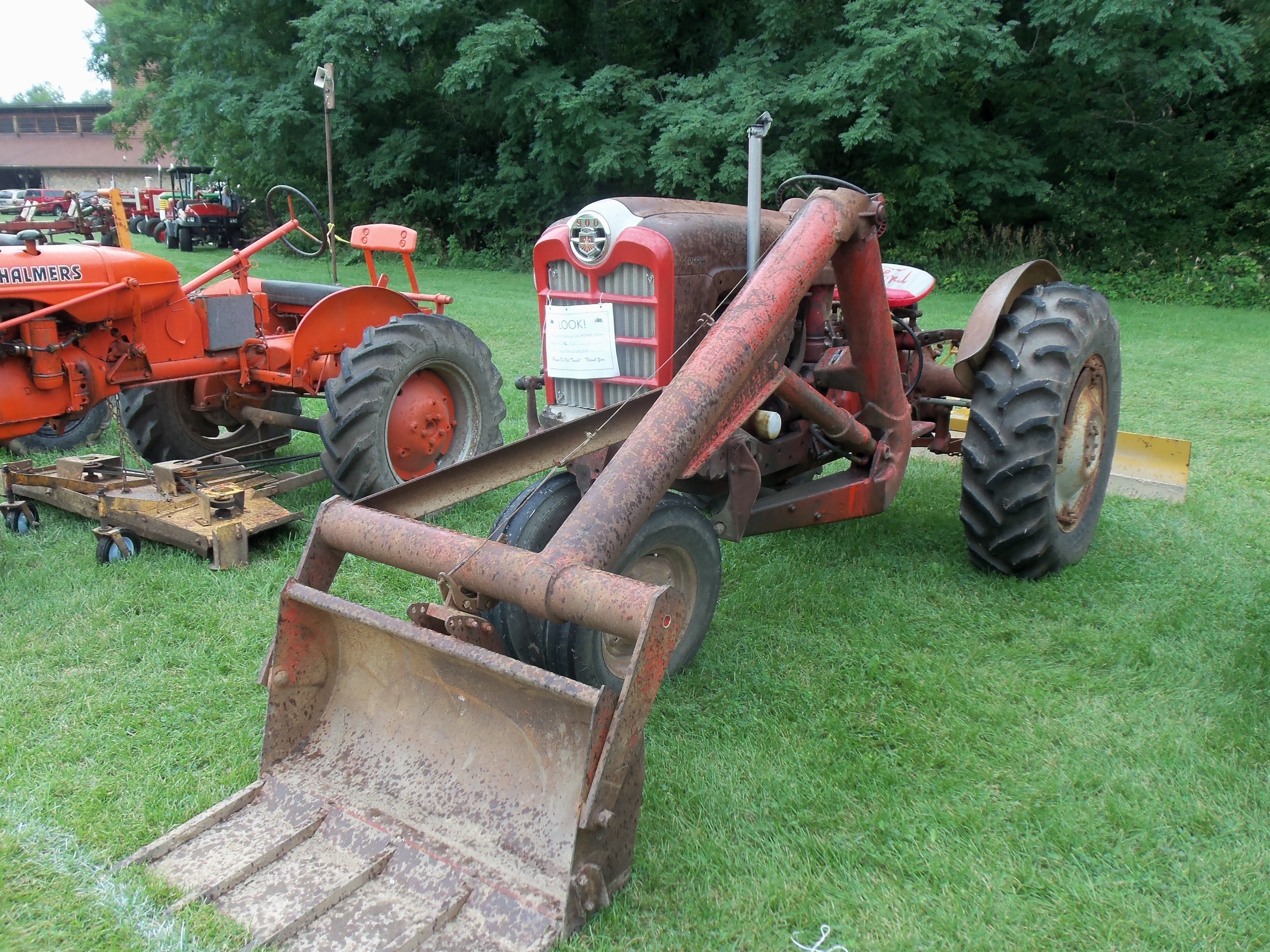 Vintage Tractor Front Loader : Ford with single arm loader tractors