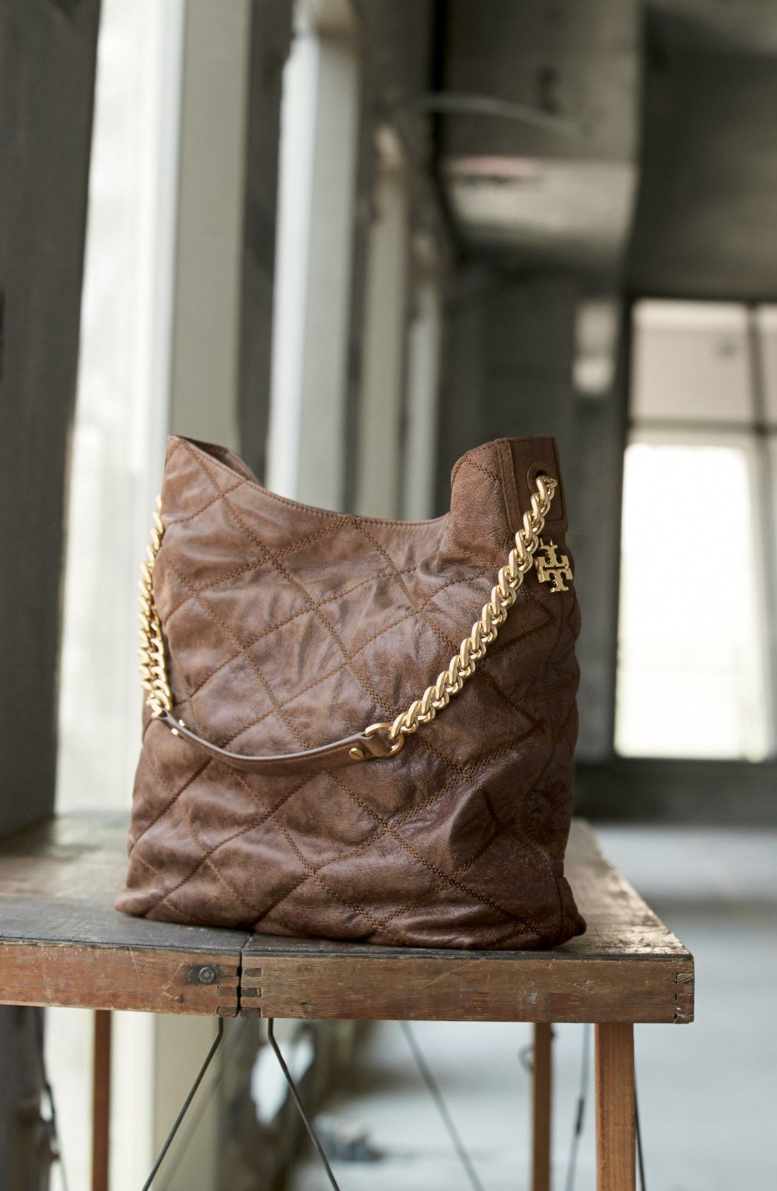 Spotted this vintage-chic Tory Burch hobo. So gorgeous!