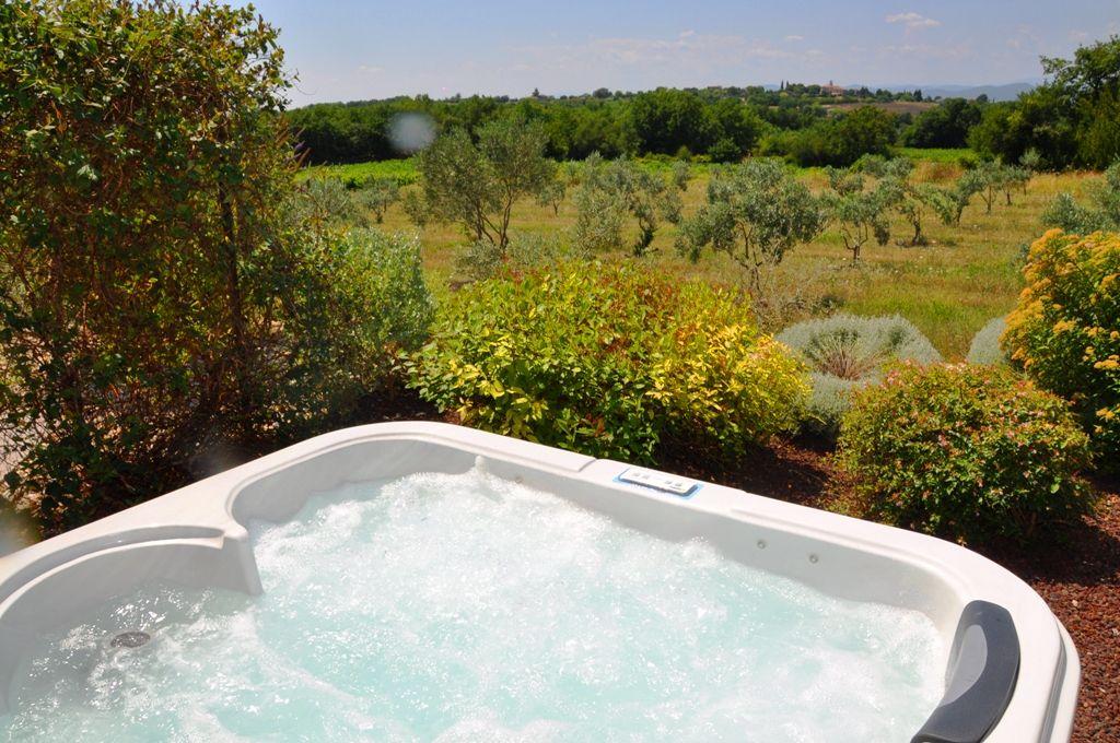 Le Luxe A L Etat Pur Hotel Masduterme Luxe Life Jacuzzi Spa Bien Etre Nature Environnement Verdure Paradis Provenc Outdoor Decor Hot Tub Outdoor