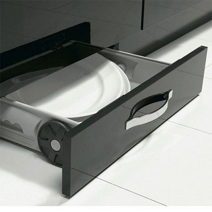 Un tiroir socle pour une petite cuisine, Conforama Organizations
