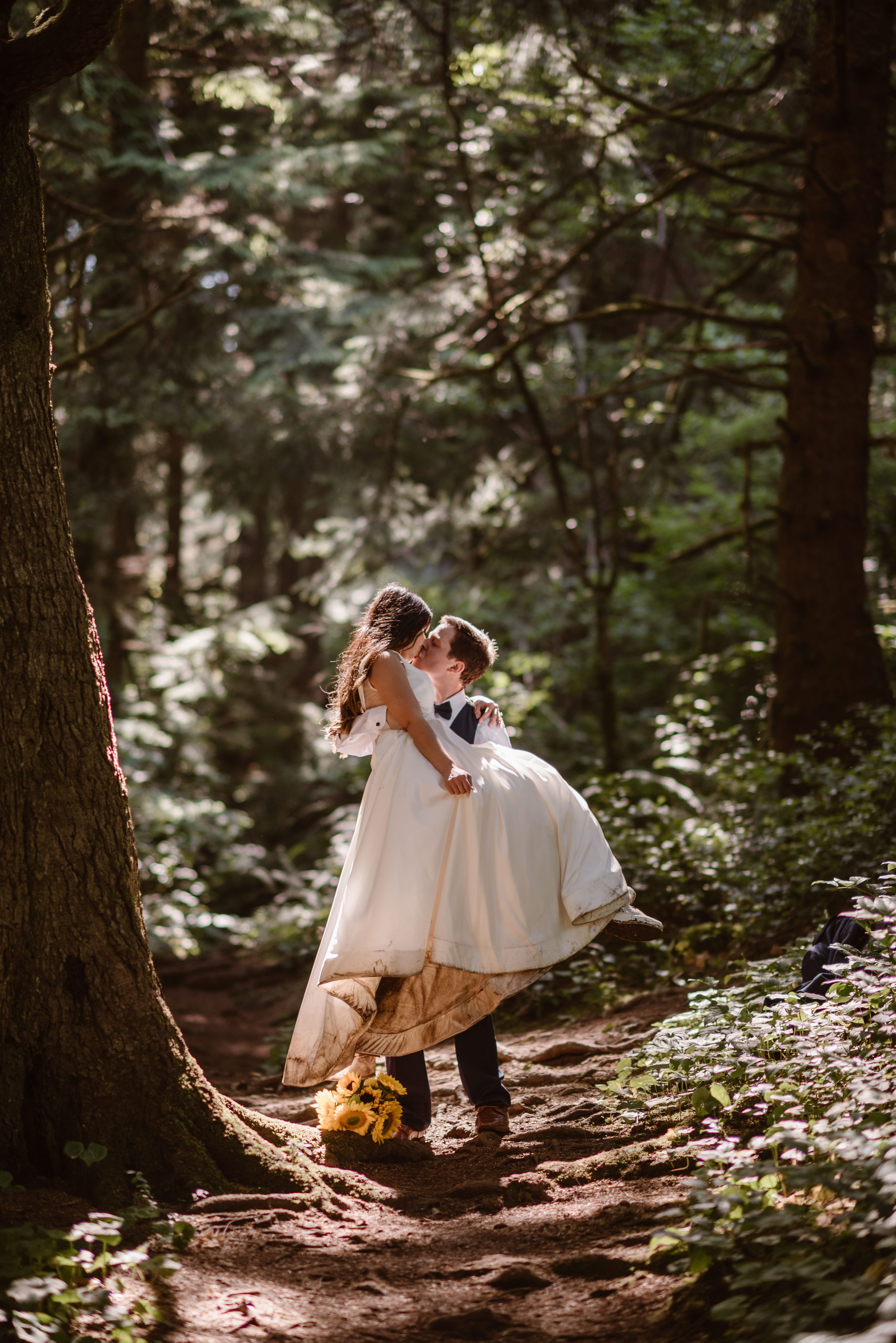 Oregon Forest Elopement Adventure Instead In 2020 Free Wedding Venues Places To Get Married Oregon Forest