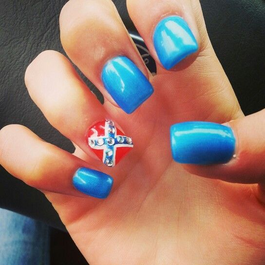 My most favorite nails that I got this summer.