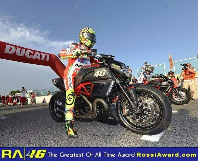 Sign our award to Valentino Rossi at 👉RossiAward.com👈 *The Greatest Of All Time* in MotoGP history (2016/17)