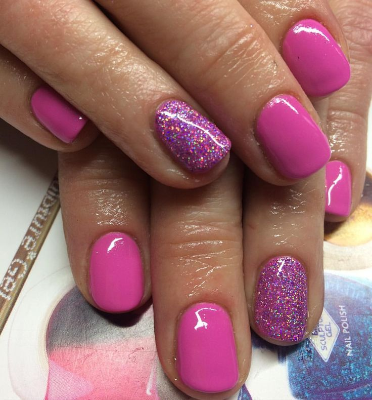 Glitter Nail Ideas For Summer: Pink And Purple Glitter Mani