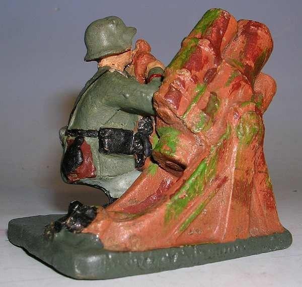 Spielzeugsoldaten 2. Weltkrieg - Hausser Elastolin 7,5 cm http://figurenmuseum.de/s/cc_images/cache_2455379789.jpg?t=1424424767