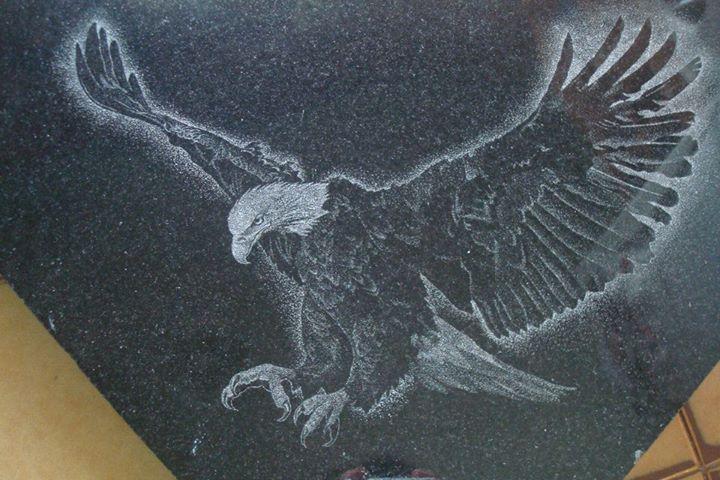 Grabado a mano sobre granito negro Lucas Urich Grabados Pinterest