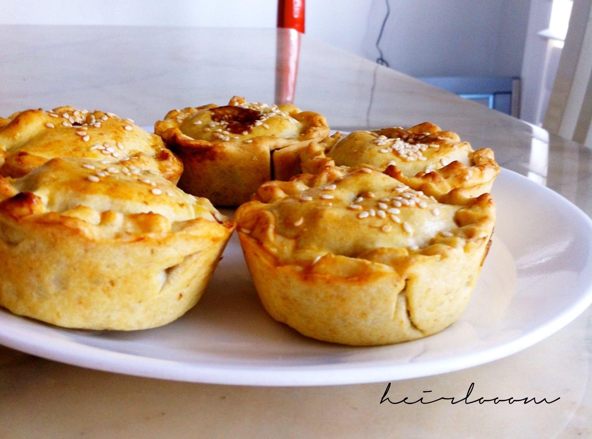 Recipe mini aussie meat pies pinterest australian food meat australian food with recipes recipe mini aussie meat pies heirlooom forumfinder Images