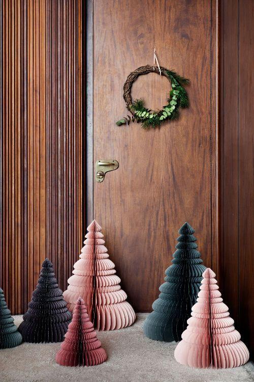 Papierowe Choinki Broste Copenhagen Diy Christmas Decorations For Home Beautiful Christmas Decorations Christmas Decor Diy