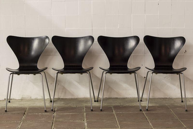 Vlinder Bureaustoel Arne Jacobsen.4 Butterfly Chairs Series 7 By Arne Jacobsen Meubels Vintage
