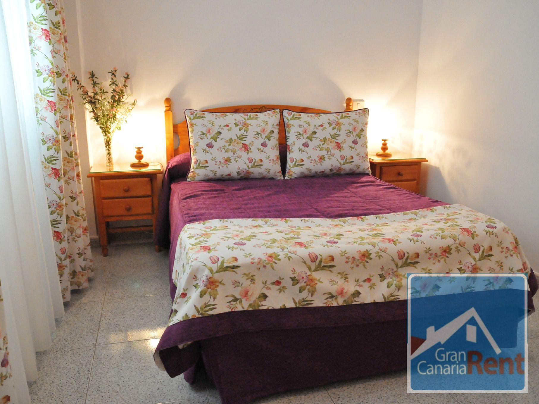 Bright and decorated bedroom at Gran Canaria