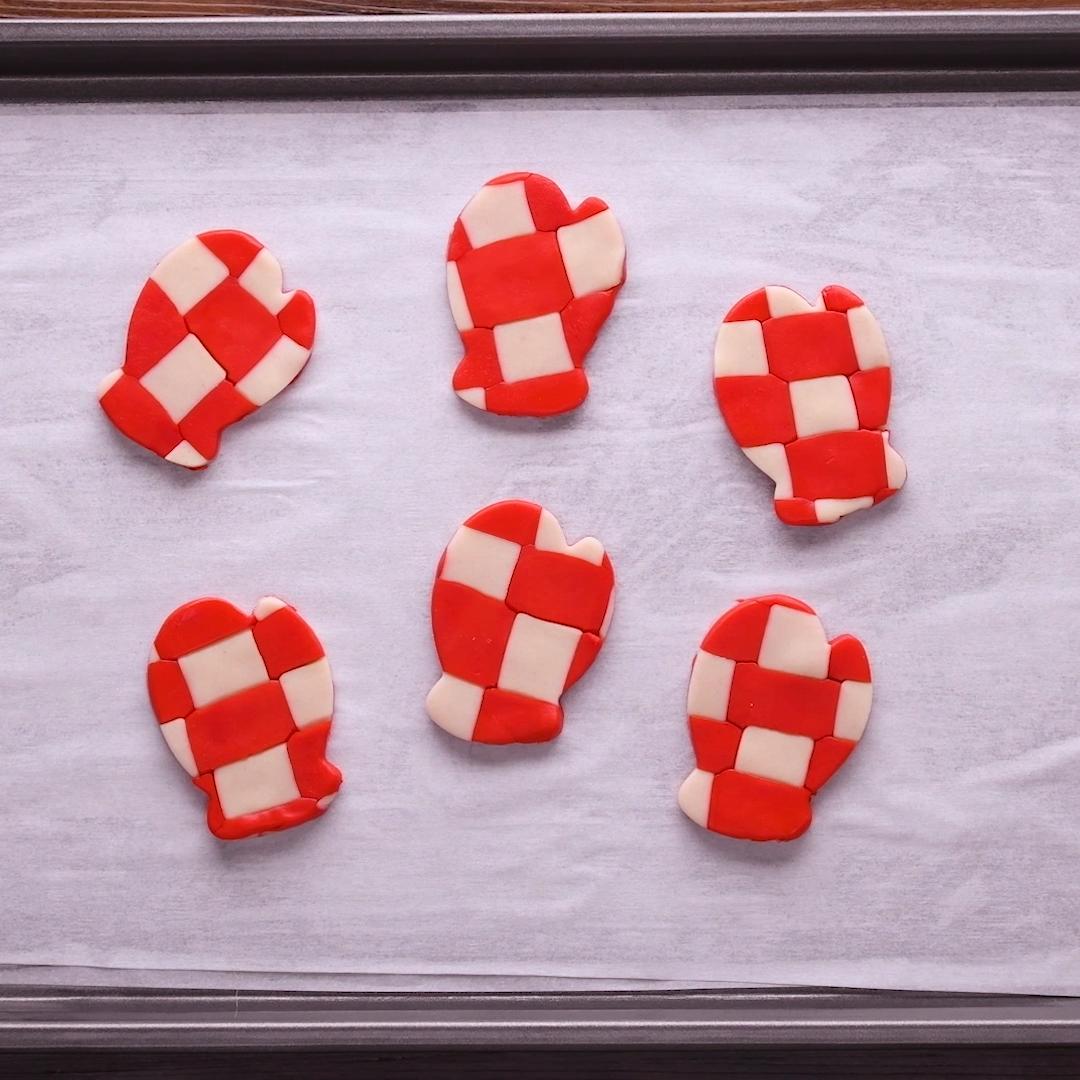 Photo of Christmas Mitten Cookies