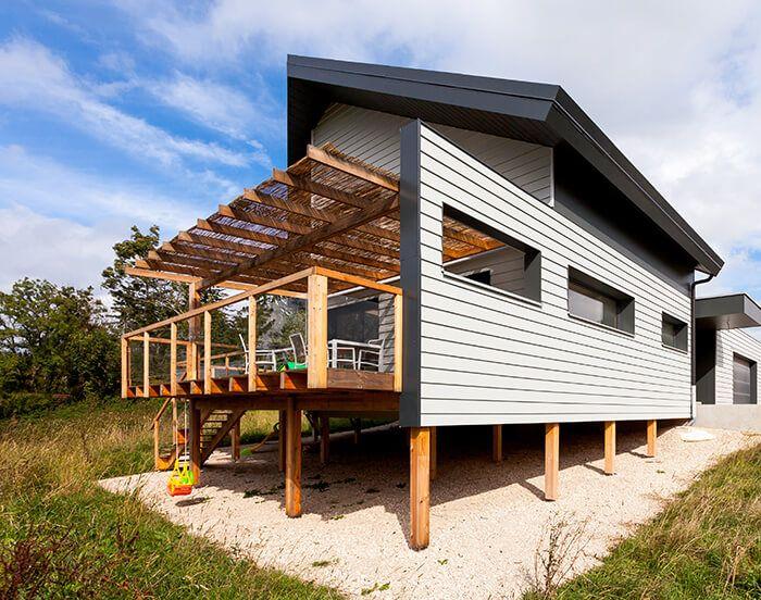 Pavillon contemporain à Charquemont - James Hardie pool house