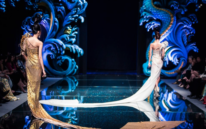 Fide fashion week oriental runway stage that uses for Runway stages
