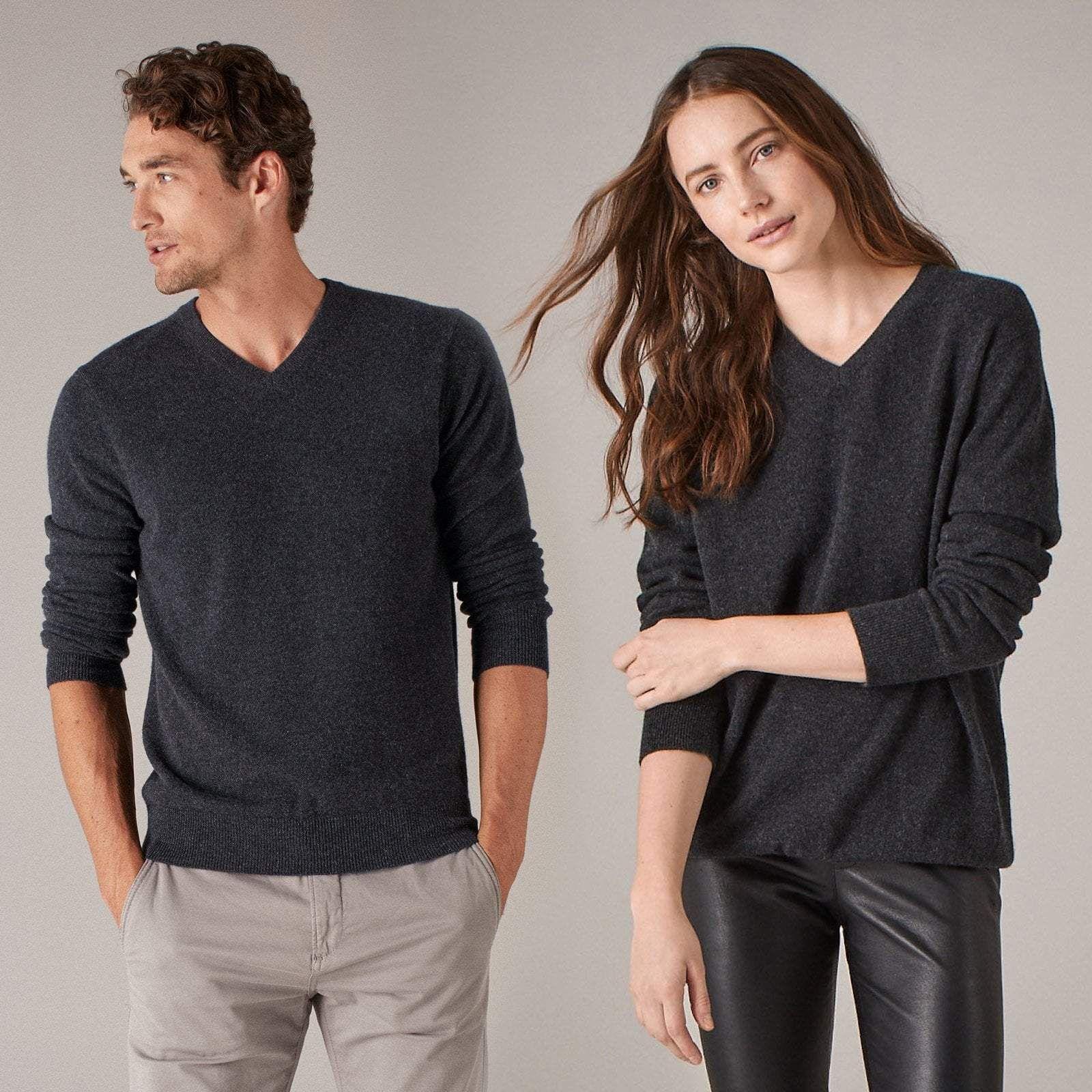 e66cdf4c4 The Essential  75 Cashmere V-Neck Sweater Smoke