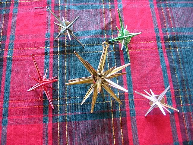 Christmas Sputnik Retro Atomic Star Plastic Ornament Set- DAD