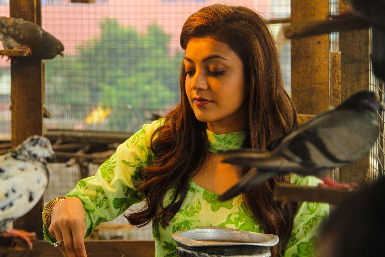 Maari Movie Latest Stills Dhanush Kajal Aggarwal Girl Photography Poses Image Photo