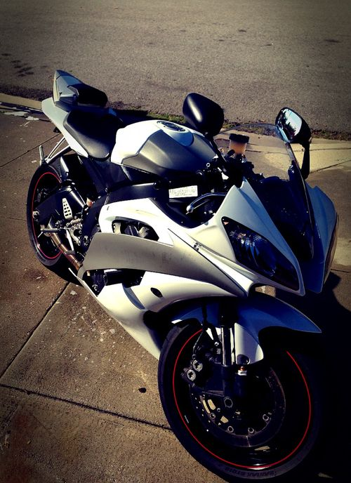 white yamaha r6 motorcycles pinterest yamaha r6 cars and sportbikes. Black Bedroom Furniture Sets. Home Design Ideas