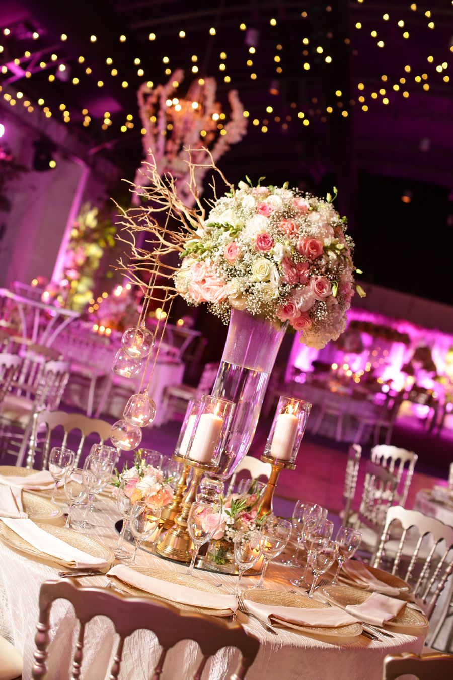wedding centerpieces with gold details
