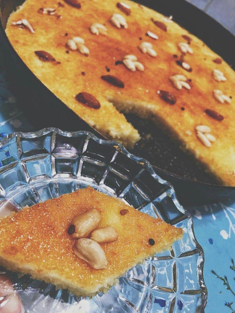 طريقة البسبوسة ال ٢ ٢ كوب سميد ناعم وربع ١ ٢ كوب ٢ بيض كوب زيت كوب سكر فانيلا بيكنك باودر كيس قشطه صغيرة ٤ ملاعق زبادي Dessert Recipes Food Desserts