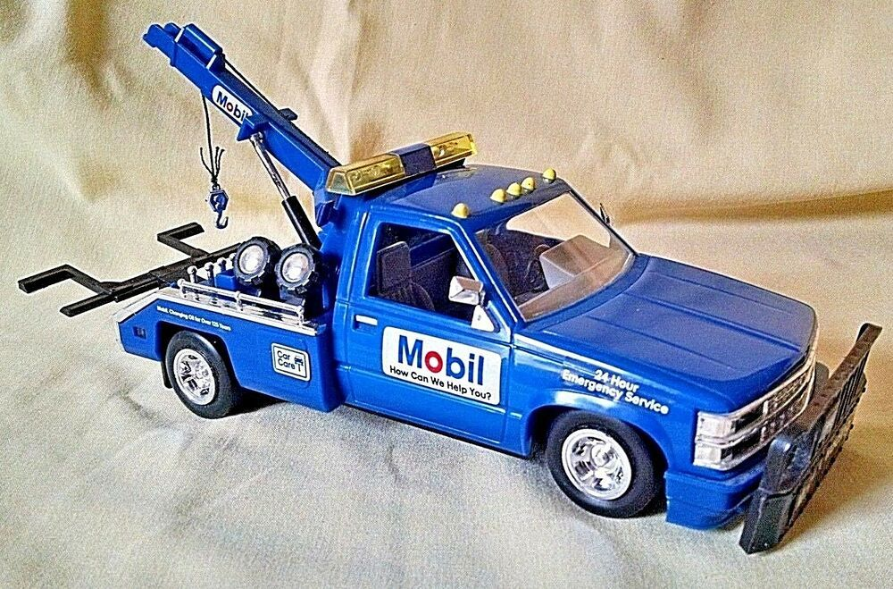 1995 Mobil Collectible Toy Truck Blue Tow Truck Limited Edition NEW IN BOX