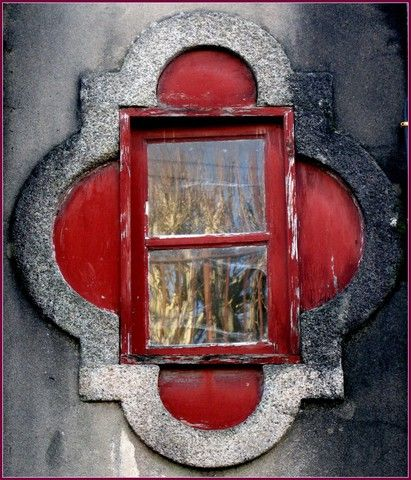 Porto, Portugal (window) - a photo by josecps