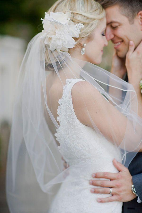 Brautfrisur schleier befestigen