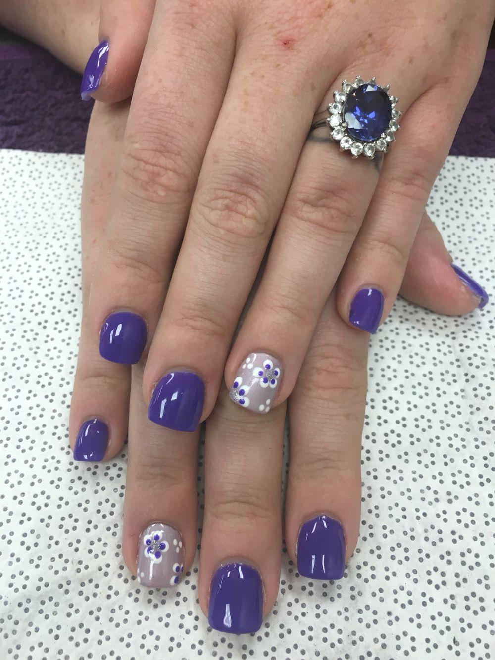 Flower nail art design   Nail art, Flower nails, Nail art