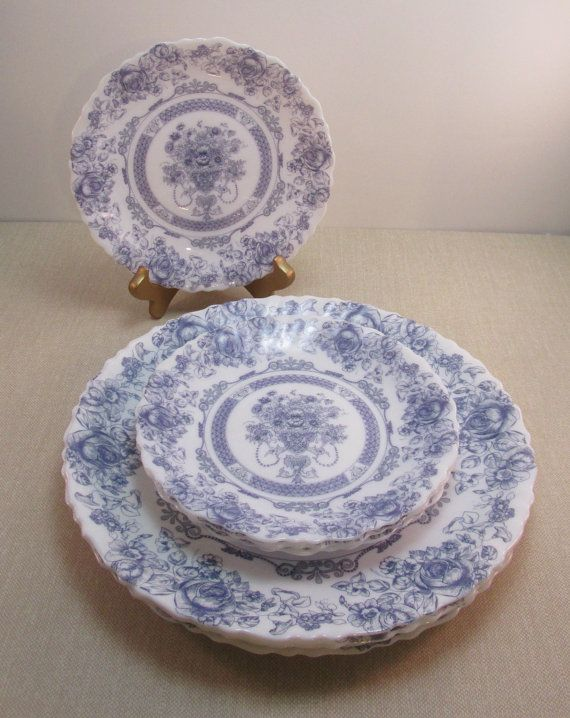 Vintage Arcopal France Plate Set - Honorine patter - 4 dinner 4 salad plates | white milk glass w/ ... & Arcopal France Plate Set - Honorine patter - 4 dinner 4 salad ...
