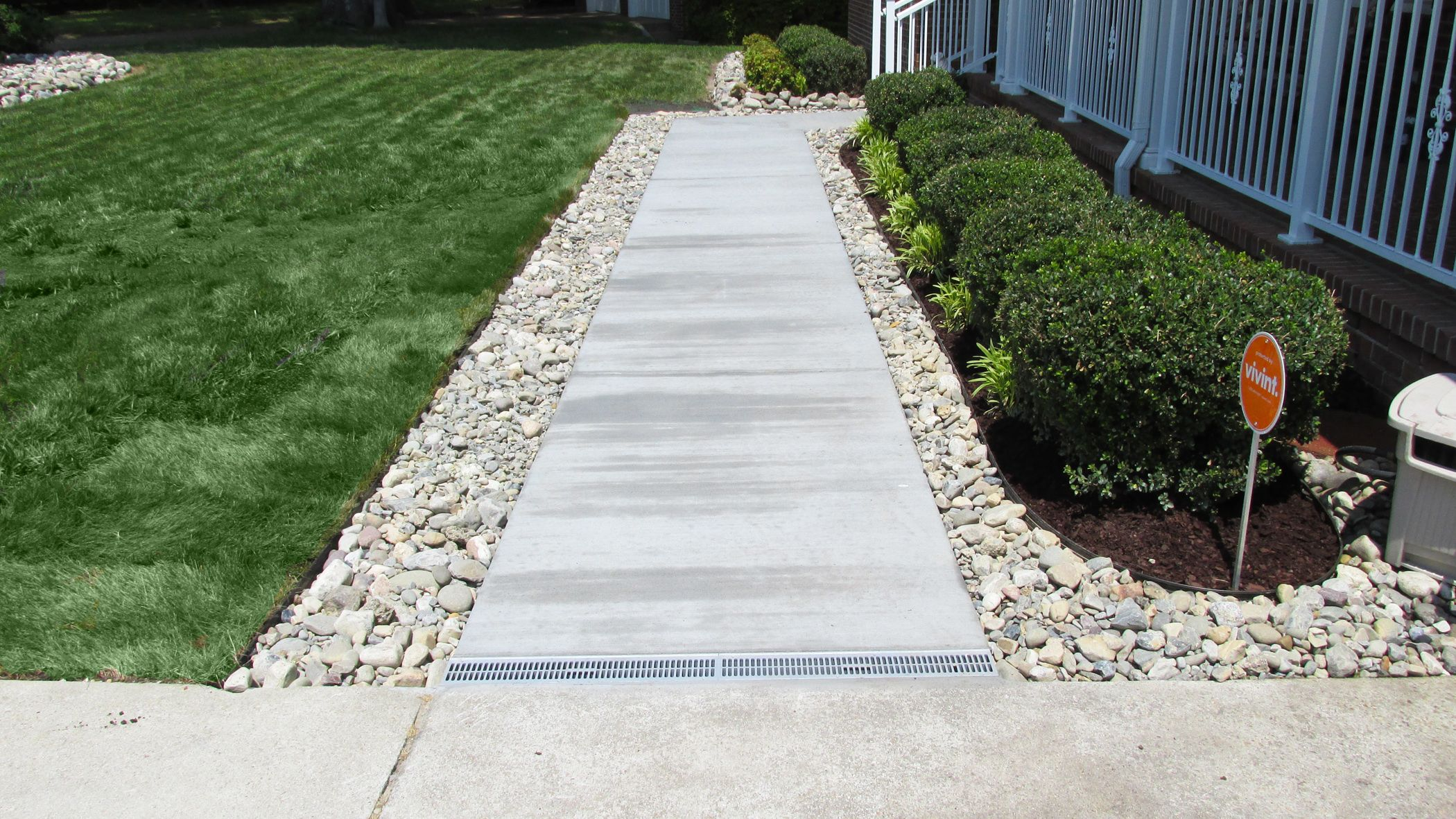 Gravel patio drainage virginia beach french drain for French trench drain