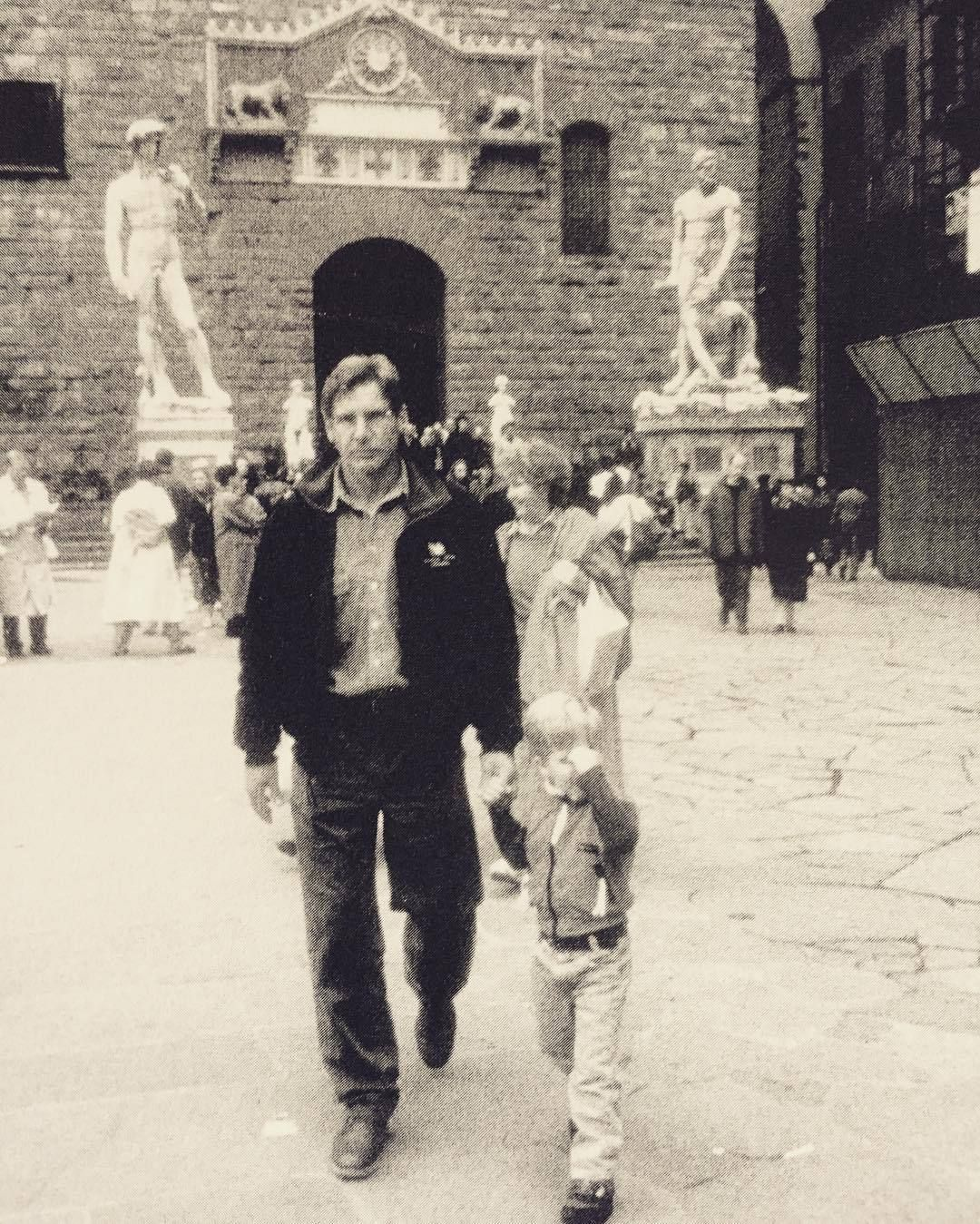 Rare Pic Of Harrison Ford And His Son Malcolm Walking Through Piazza Signoria Florence Italy X Harrison Ford Harrison Ford Son Harrison Ford Indiana Jones Harrison ford's son malcolm jumps off a cliff into the sea. harrison ford harrison ford son
