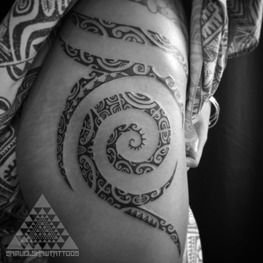 Feminine Polynesian tattooing by Samuel Shaw at Kulture Tattoo Kollective