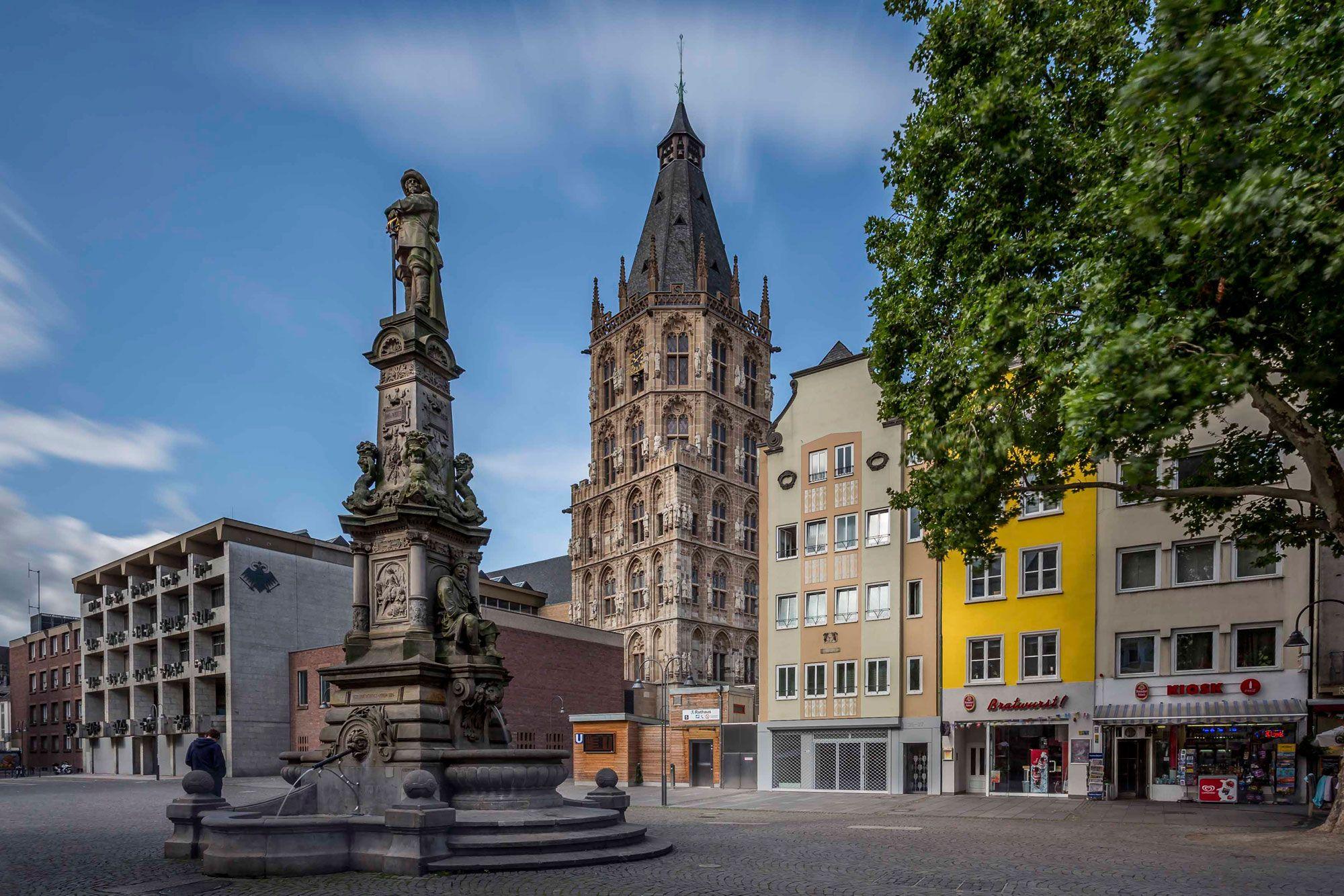 Kolner Altstadt Alter Markt Und Rathausturm Cologne S Old Town Alter Markt And City Hall Tower C Jens Korte Kolntourismus Gmbh Altstadt Rathaus Turm