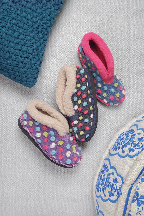 Bo, spotty cosy slippers   Moshulu