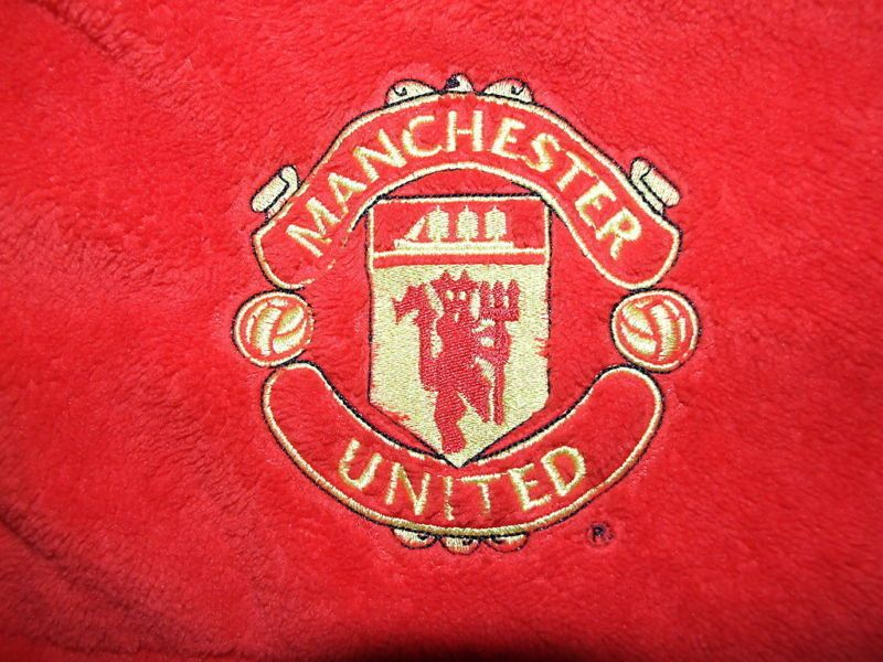 M&s boys supersoft dressing gown man u manchester united bnwot ...