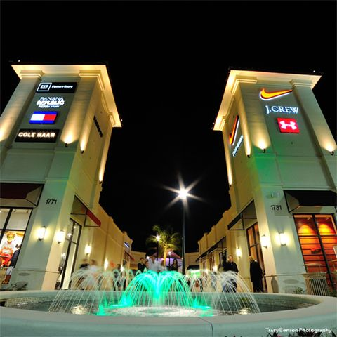 83ef6bb1a97d9df77fdac737043574a3 - Saks Fifth Palm Beach Gardens Mall