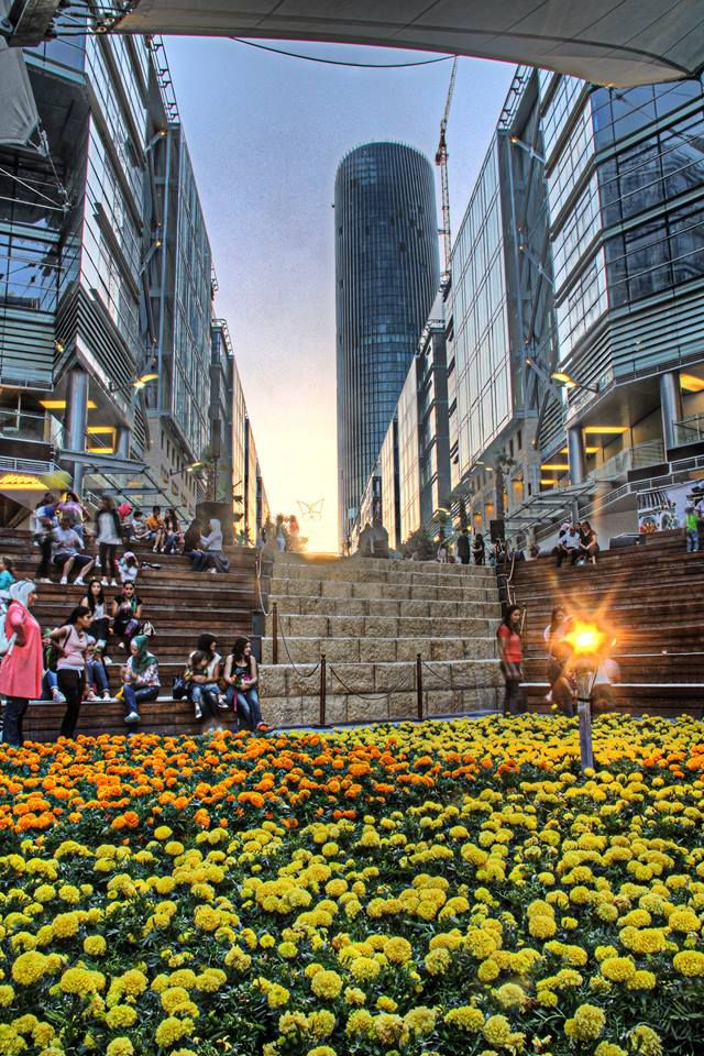 Spring Boulevard At Abdali In Amman Enjoy The Beautiful Scenery And Activities By Booking Your Place Heart Of Al From Gweet