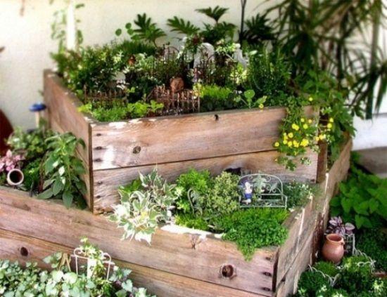 ideen kleinen garten wenig platz holzkasten minigarten projekt garten. Black Bedroom Furniture Sets. Home Design Ideas