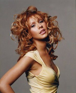 Pin By Womjr On Hair Christina Aguilera Red Hair Christina Aguilera Celebrity Hairstyles