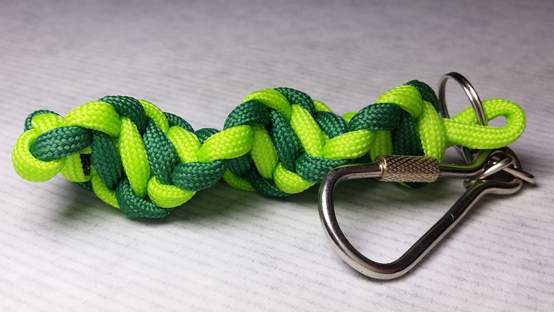 How To Make Dna Paracord Keychain By Paracordknots Paracord