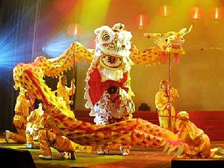 chinese lion dance  | Chinese New Year, Spring Festival 2013 - Introduction and Travel ...