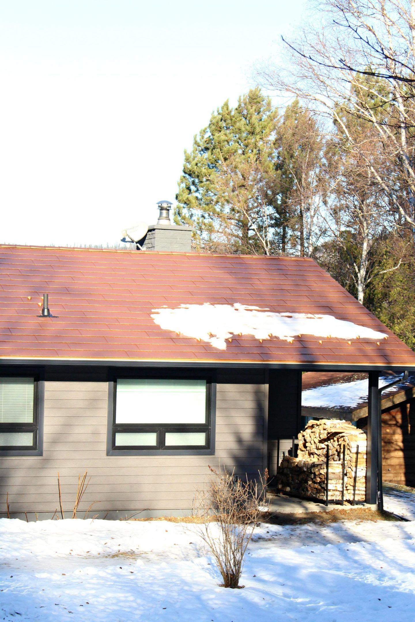 New Copper Metal Roof Metal Roofing Before After Dans Le Lakehouse Copper Metal Roof Exterior House Renovation Copper Roof