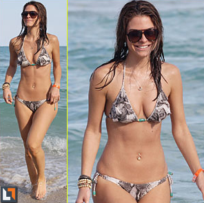 JustJared.com featuring Maria Menounos wearing Bijouterie bracelets with that hot beach bod!