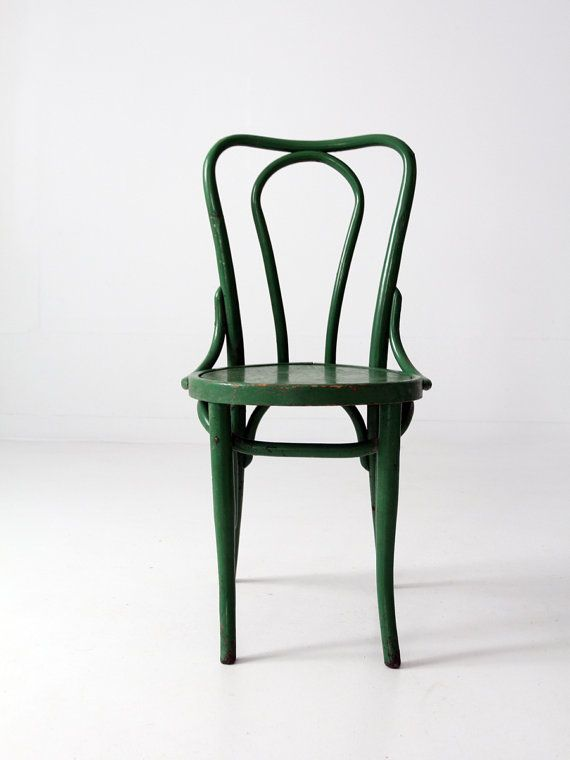 Merveilleux Circa 1930s Classic Style, This Is A Thonet Style Bentwood Cafe Chair. The  Wood Chair Was Painted A Deep Emerald Green And Has A Nice Patina To The  Tone.