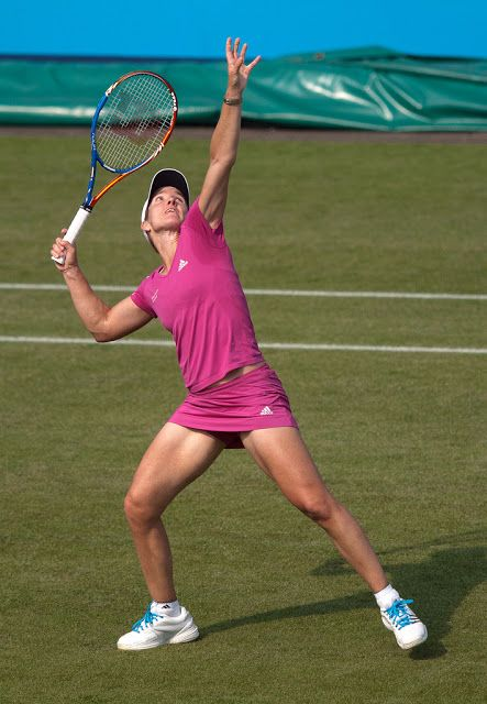 The Most Artistic Tennis Legend Where S All The Artistry Tennis Players Female Justine Henin Ladies Tennis