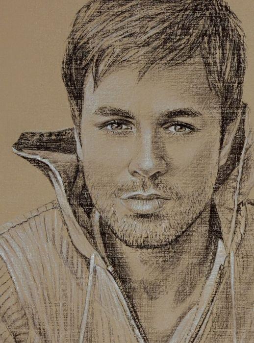 Enrique Iglesias Hombres Pinturas Y Hombre Perfecto