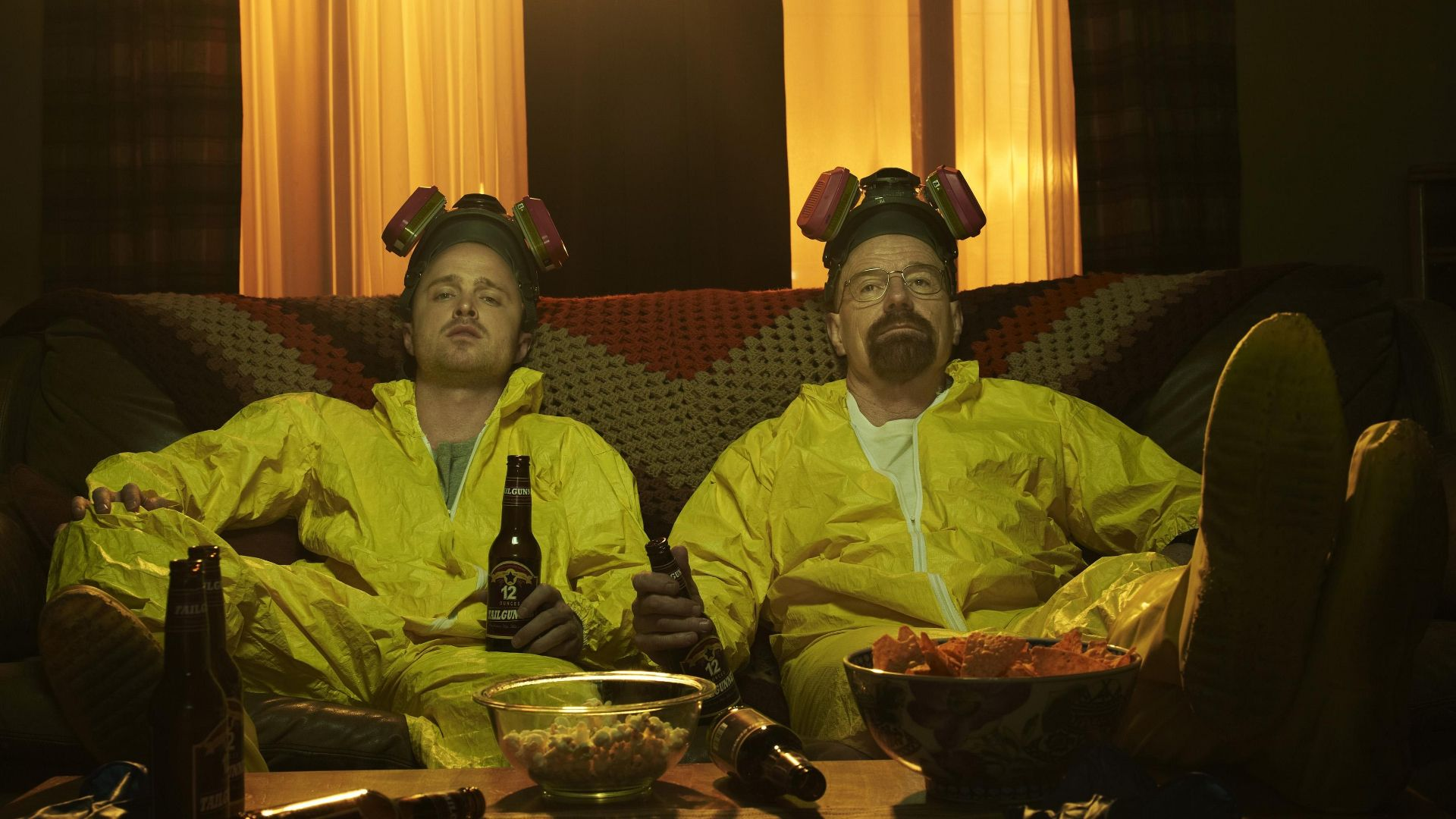 Jesses and Walt on the couch. Breaking Bad | Breaking bad seasons ...