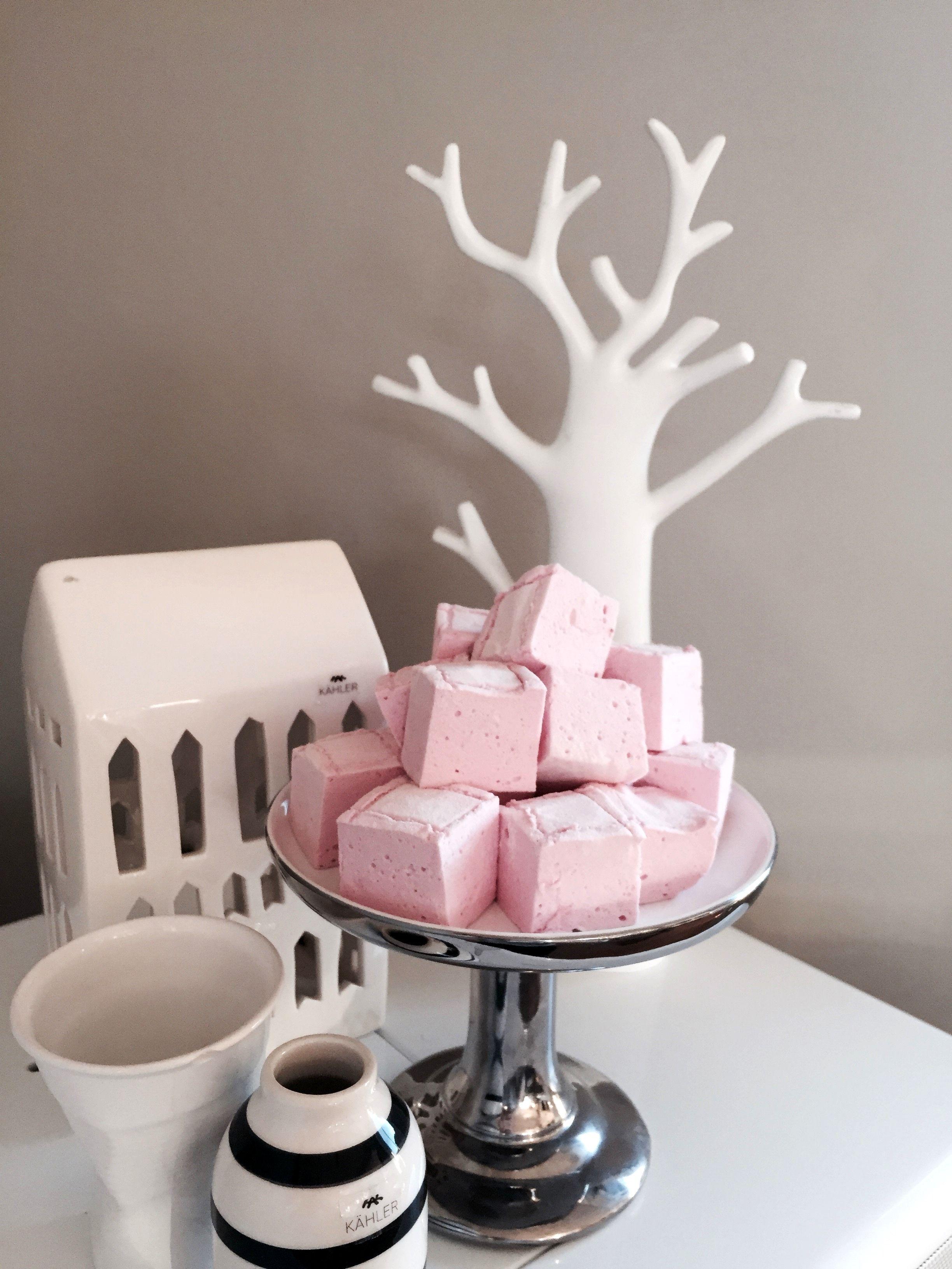 Friske luftige rosa bringebærmarshmallows - Bakeprosjektet