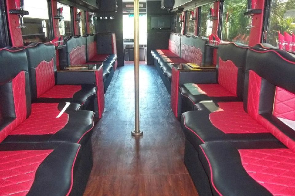 Houston limo limousine rental service offering town cars