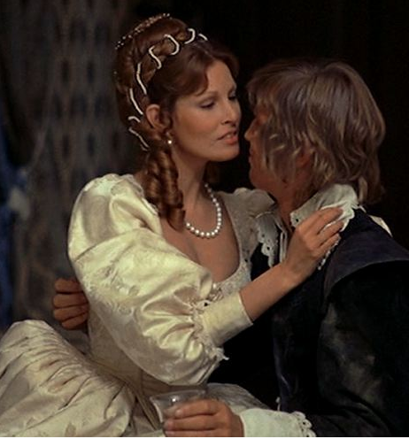 Raquel Welch-Michael York in The Three Musketeers (1973