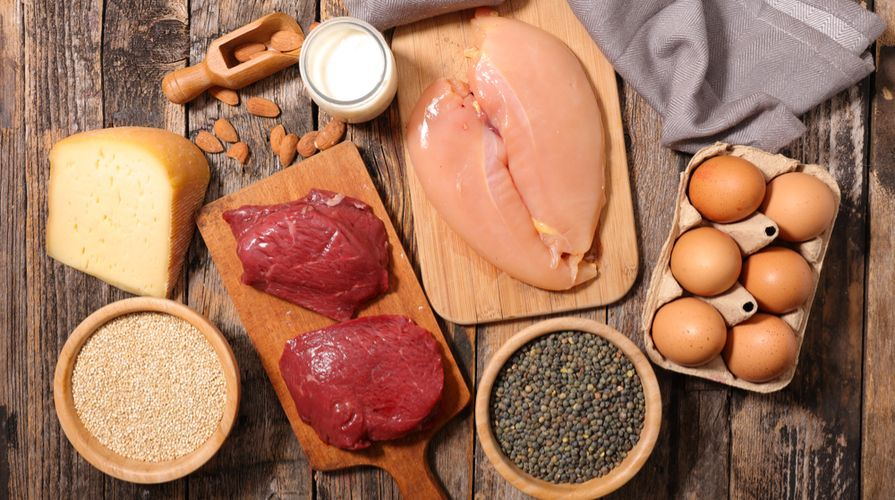 La lista degli alimenti ricchi di proteine contiene cibi molto diversi, dalla fr…